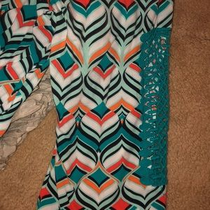 crown & ivy Tops - Crown&Ivy Size 3X Geometric 3/4 Length Sleeve Top